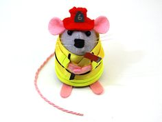 Firefighter ornament felt mouse mice cute gift by TheHouseOfMouse, €35.00