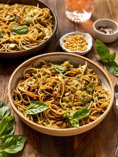 The BEST Vegan Spinach Artichoke Pasta made with a vegan basil cream sauce. This easy Vegetarian Pasta Dishes, Vegan Pasta, Vegetarian Recipes, Kitchen Recipes, Cooking Recipes, Summer Pasta Recipes, Spinach Artichoke Pasta, Creamy Spaghetti, Whole Wheat Spaghetti