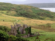 Clifden Castle Clifden Castle is a ruined manor house west of the town of Clifden in the Connemara region of County Galway, Ireland. It was built c. Ireland Wallpaper, Dream Vacations, Vacation Spots, Oh The Places You'll Go, Places To Visit, Ireland Travel Guide, Travel Info, Tourism Ireland, Travel Fund