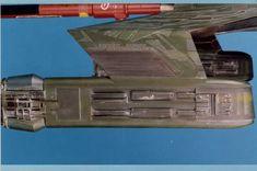Post with 4462 views. Star Trek Klingon, Star Trek Starships, Star Trek Vi, Star Trek Ships, Star Trek Models, Star Trek Universe, Movie Props, Model Building, Scale Models