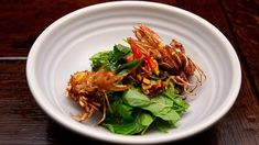 Sashi& sambal prawns is packed with flavours of fresh herbs with crispy prawn heads. Prawn Recipes, Seafood Recipes, Salad Recipes, Masterchef Recipes, Seafood Stew, Fish And Seafood, Masterchef Australia, Herb Salad, Fish Curry