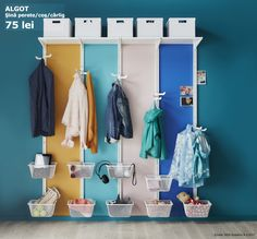 Fiecare membru al familiei are un loc personalizat la intrare. În perioada 30.01 - 26.03.2017, te bucuri de până la 20% reducere la sistemele de depozitare PAX și ALGOT. Oferta este valabilă în limita stocului disponibil și doar pentru membrii IKEA FAMILY.
