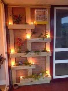 Pallet Planter - The page is not in English, but the pictures pretty much tell you the story