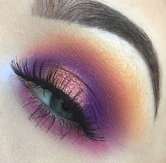 MUA IG: cheslerenea  Juvia's place / masquerade pallet / morphe 35b / fenty beauty / galaxy pallet / fall eye shadow / sunset / makeup / purple / orange / glitter / fall / halo eye / Smokey