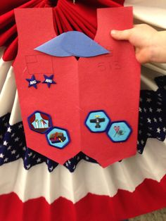 AHG Badge Presentation Ideas: How cute ......Award Badge Holder