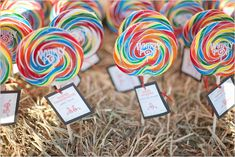 Fun-loving {and budget friendly} favor idea. This would also be a fun favor for kids attending the wedding!