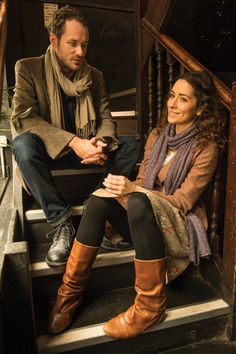 Declan Bennett (Guy) and Zrinka Cvitešić (Girl) - ONCE THE MUSICAL. Photo Credit Frank Ockenfels http://www.todomusicales.com/content/content/4485/once-the-musical-amor-y-arte-en-estado-puro/