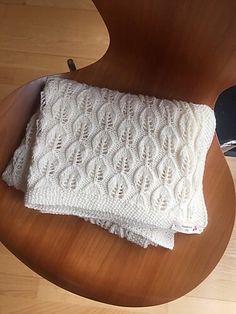 Best 12 Ravelry: utonne's Bella Teppe Big Knit Blanket, Knitted Baby Blankets, Cot Blankets, Free Baby Blanket Patterns, Baby Knitting Patterns, Manta Crochet, Knit Crochet, Jumbo Yarn, String Bag