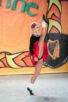 Diana from the Hogan School - beautiful dancer, beautiful natural hair. Irish Step Dancing, Irish Dance, Irish Songs, Diana, Trip The Light Fantastic, International Dance, Dance Hairstyles, Dance Like No One Is Watching, Dance Poses