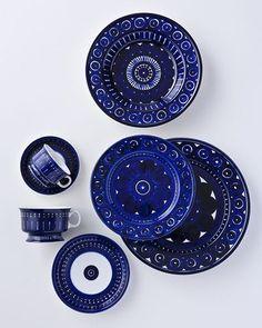 Arabia ceramics, Valencia design by Ulla Procopé Finland. Love Blue, Blue And White, Dark Blue, Boho Home, China Patterns, Plates And Bowls, Ceramic Pottery, Scandinavian Design, My Favorite Color