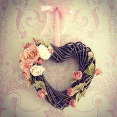 Handmade Wicker Heart Shaped Wreath With Flower Detailing Shabby Chic Vintage Más Wreath Crafts, Diy Wreath, Grapevine Wreath, Wreath Ideas, Shabby Chic Art, Shabby Chic Crafts, Heart Wreath, Heart Ornament, Heart Shaped Wreath