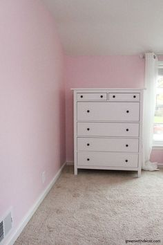 Get that new nursery painted in no time with a Wagner sprayer and some helpful tips from Meg, at Green with decor! Check it out: