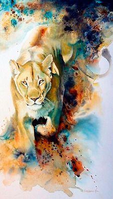 Je vois une lionne, dans son regard je vois qu'elle a aperçu ç proie qu'elle va chasser pour ses lionceaux. Elle est en train de gambader et derrière elle, par dessus le fond blanc de la toile je vois les couleurs de bleuté et de beige qui vont au pâle jusqu'au foncé qui font un effet de fumée qui la suit. Cette toile m'inspire de la colère et de la haine, à cause des couleurs ténébreuses et du regard de cette lionne.