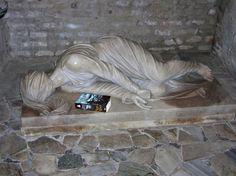 Roma - Catacombe di San Callisto. Statua di Santa Cecilia di Stefano Maderno - 1599.