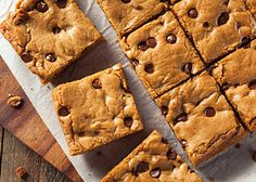 Low Carb Meals Low Carb Chocolate Chip Cookie Bar Keto Recipes - Are you on a low carbohydrate diet and looking for a ketogenic diet recipes? Then try our Low Carb Keto Recipe, A very simple Low Carb Chocolate Chip Cookie Bar Keto Recipes Low Carb Chocolate Chip Cookies, Homemade Chocolate Chips, Chocolate Chip Cookie Bars, Keto Cookies, Bar Cookies, Low Carb Sweets, Low Carb Desserts, Low Carb Recipes, Diabetic Sweets