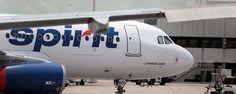 EEUU.- Los 228 pasajeros y la tripulación de un vuelo de la compañía Spirit que iba a realizar la ruta Nueva York La Guardia hasta Florida fue hoy evacuados tras detectarse antes del despegue que salía humo de la aeronave, informaron hoy las oficiales de Porth Autority de Nueva York. Un equipo de bomberos y…