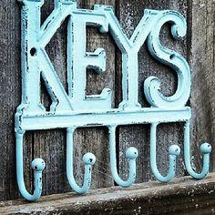 Rustic Key Hook / Key Holder / Cast Iron Key Hook / Rustic Home Decor / Keys Wall Hook / Key Hanger / key decor / Shabby Chic Wall Decor Shabby Chic Door Knobs, Baños Shabby Chic, Shabby Chic Wall Decor, Shabby Chic Garden, Shabby Chic Living Room, Shabby Chic Interiors, Shabby Chic Office, Shabby Chic Pillows, Shabby Chic Bedrooms
