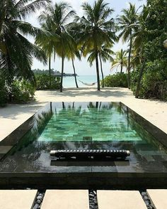 How to Save the Most on Cheap Beach Vacations. Envision waking up one morning to a gorgeous daybreak on the horizon, its rays bouncing off the crystal clear water of the ocean, seawater permeating the a Maldives Destinations, Travel Destinations Beach, Cheap Beach Vacations, Dream Vacations, Destin Beach, Beach Trip, Honeymoon Getaways, Beach Club Resort, Pool Fountain