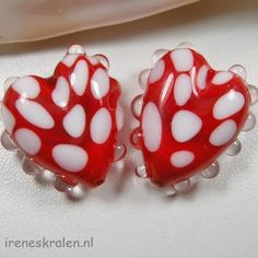 Set of 2 lampwork glass beads hearts red & white by IrenesBeads, €6.00
