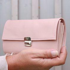 women wallet nude rose
