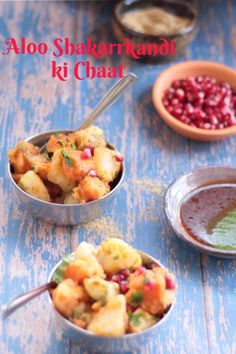 Snack with boiled potatoes and sweet potatoes mixed with sweet and tangy chutneys and Indian Chaat Masala. Fasting or Navaratri recipe or for snacking . Sweet Potato Recipe Indian, Savory Sweet Potato Recipes, Sweet Potato Benefits, Savory Snacks, Healthy Snacks, Boiled Vegetables, Raw Vegetables, Recipe Without Onion, Dried Mangoes