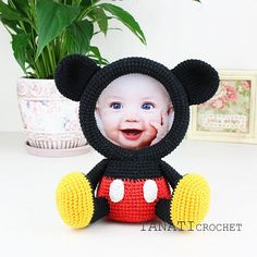 This is a crochet pattern (PDF file) NOT a finished Photo Frame you see on the photos! This pattern is available in: English (US crochet terms) Russian SKILL LEVEL: EASY Photo Frame MICKEY MOUSE – size 19 cm (7 in), if using sport weight yarn (Sport (12 wpi), 2 : Fine). Material: •