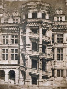 Gustave Le Gray / Blois Castle, François I stairway, 1851 / 'Château de Blois, escalier de François Ier.' © Photo RMN-Grand Palais - J.-G. Berizzi.