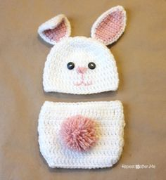 Repeat Crafter Me: FREE Crochet Bunny Hat Pattern and link to optional diaper cover pattern. Wish I could crochet Crochet Baby Clothes, Crochet Baby Hats, Cute Crochet, Crochet For Kids, Crochet Crafts, Crochet Projects, Knit Crochet, Crochet Beanie, Ravelry Crochet