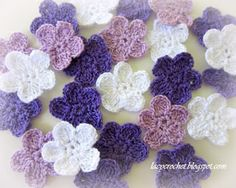 Lacy Crochet: Free Crochet Flower Patterns Crochet Motifs, Crochet Stitches, Free Crochet Flower Patterns, Lalylala, Crocheted Flowers, Flower Crochet, Easy Crochet, Irish Crochet, Knit Or Crochet