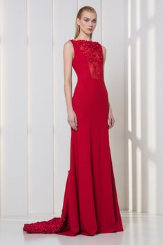 Tony Ward RTW FW 17/18 I Style 48 I Cherry red crepe dress embellished with pearls and 3D laser-cut flowers embroidery on the lace bodice and train