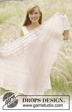 Knitted DROPS shawl with lace pattern in BabyAlpaca Silk. Free pattern by DROPS Design. Drops Patterns, Shawl Patterns, Knitting Patterns Free, Drops Design, Lace Knitting, Knit Crochet, Wrap Pattern, Knitted Shawls, Shawls And Wraps
