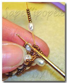 turecke hackovane koralky Bead Crochet Patterns, Beaded Jewelry Patterns, Beading Patterns, Beading Projects, Beading Tutorials, Bracelet Crochet, Beginner Crochet Tutorial, Bead Crochet Rope, Beaded Crochet