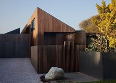 Humble House by Coy Yiontis Architects | Barwon Heads, Australia | est living stories