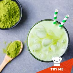 Any guesses as to what gives this delicious iced tea it's vibrant green colour?  You guessed it! This is our collagen matcha iced tea 😃This tea not only looks amazing but tastes amazing too and makes you feel your best!   Our version of green tea is packed full of antioxidant polyphenols - that's 137 times more antioxidants than regular green tea!  Find out how to make your own! Great Lakes Gelatin, Matcha Tea Powder, Create A Recipe, Grass Fed Butter, Mixed Fruit, Iced Tea, Collagen, Real Food Recipes, Clean Eating