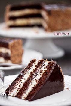 Chocolate/Coffee cake with plum jam Polish Desserts, Desserts To Make, Polish Recipes, No Bake Desserts, Dessert Recipes, Delicious Cake Recipes, Yummy Cakes, Sweet Recipes, Chocolate Cake With Coffee