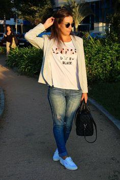 Nanda Pezzi - Blazer + T-shirt + Destroyed + Tênis Branco Superga