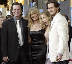 Bill Hudson and Goldie Hawn | ... Goldie Hawn with actor Kurt Russell, left, and Kate and Oliver Hudson