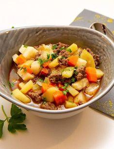 tradisjonsmat | Det glade kjøkken Chorizo, Pot Roast, Stew, Pork, Ethnic Recipes, Carne Asada, Kale Stir Fry, Roast Beef, Pork Chops