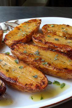 Roasted Lemon Pepper Potatoes Recipe – Famous Last Words Dinner Side Dishes, Potato Side Dishes, Potato Recipes, Vegetable Recipes, Tuna Recipes, Fruit Recipes, Greek Lemon Chicken, Good Food, Cauliflowers
