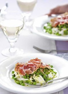A delicious summer starter. The fresh, Italian flavours and mix of textures make this salad a winning combination.