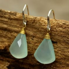 Blue chalcedony faceted in fan shape with sterling silver hook