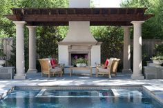 What do you think about this gorgeous outdoor space? It has just the right amount of #color for #summer!
