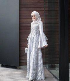 Inspirasi outfit kondangan – N&D – Hijab Fashion 2020 Kebaya Muslim, Dress Brokat Muslim, Dress Brokat Modern, Kebaya Modern Dress, Kebaya Hijab, Kebaya Dress, Muslim Dress, Hijab Outfit, Hijab Dress Party