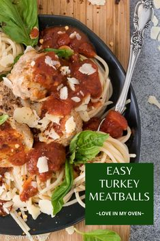 Soon to be a favourite weeknight meal, these easy turkey meatballs are made without breadcrumbs and are baked in the oven for a quick and flavourful meal. Turkey meatballs and spaghetti for the win! // low carb turkey meatballs // turkey meatballs healthy // turkey meatballs without bread
