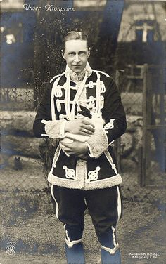 Happy Easter from Kronprinz Wilhelm and the Royal Prussian Easter Bunny! |