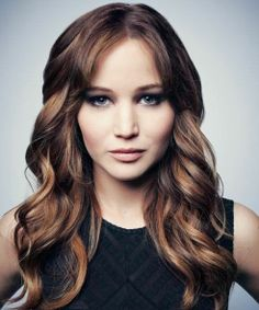 #HairWaves #Waves #Wavyhair #HairWithWaves #beauty #hair #hairproducts #professionalhairproducts #salonproducts #distributor #BeautyProDistributor Jennifer Lawrence Hair, Look 2015, Red Hair Color, Hair Dos, Pretty Hairstyles, Layered Hairstyles, Diy Hairstyles, New Hair, Wavy Hair