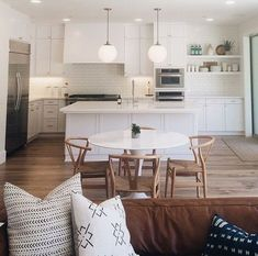 3 Simple and Crazy Tips Can Change Your Life: Apartment Kitchen Remodel Ceilings small kitchen remodel oak.Oak Kitchen Remodel Painting Walls kitchen remodel backsplash how to paint.Tiny Kitchen Remodel Tips. Kitchen Living, New Kitchen, Kitchen Decor, 1950s Kitchen, Ranch Kitchen, Kitchen Small, Kitchen Ideas, Kitchen Wood, Cheap Kitchen