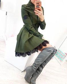 Olivová dlhá zimná bunda s bledoružovou kožušinou