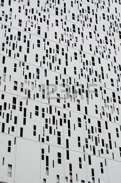 Rev tement en aluminium seconde peau du b timent moderne Banque d'images