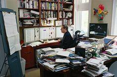 天才は机が汚い?あの偉人のオフィス机を17人一挙公開/アル・ゴア
